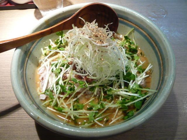 泡立つスープやパインを使ったスープまで!富雄駅周辺で抑えたいラーメン屋5選!
