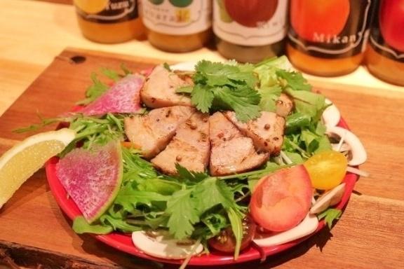 肉も!野菜も!欲張りな女性に贈る!神田『菜園バル CHIBI-CLO』の限定メニューで女子会開催!