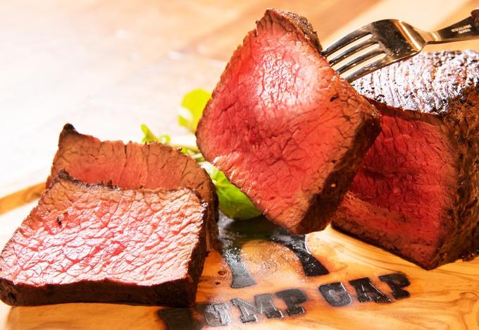 【4/25限定】塊肉にシャンパン、ワインまで全品半額!『RUMP CAP神田店』が2周年記念イベント開催