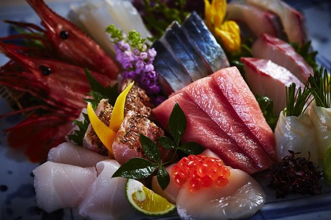【小田原】「白身の大トロ」アブラボウズや生しらすも。『RYO』の朝穫れ魚がすごい