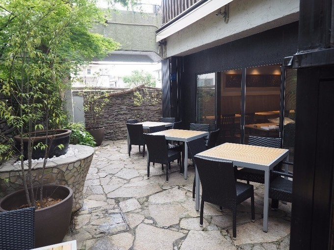 【鎌倉】山盛りローストビーフ丼に、ひつまぶしも!自然に囲まれた和のカフェレストラン『楠の木』