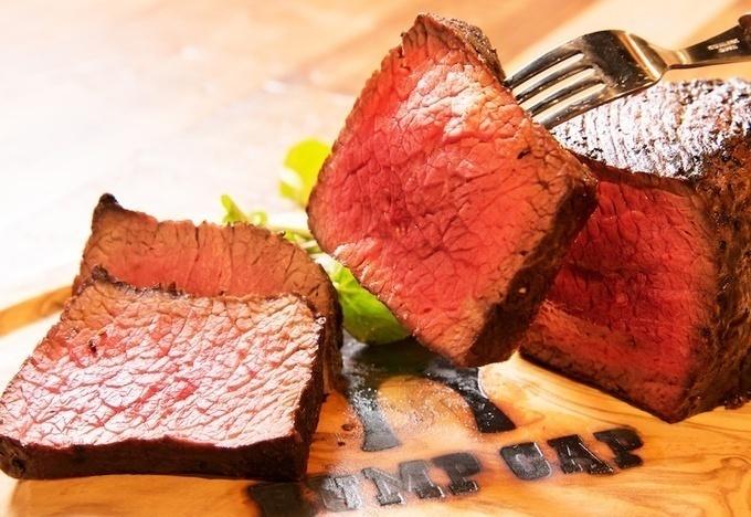 【新宿西口】史上初⁉︎肉料理専門店ばかりが集う『新宿名店横丁』が肉尽くしで楽園すぎる