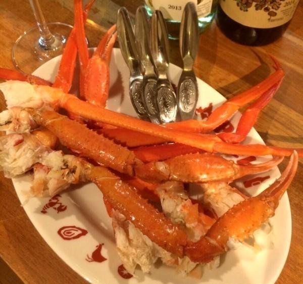 蟹で埋め尽くすパスタに仰天!牡蠣もフォアグラも炭火で豪快に!北海道の味をお手軽に『炭リッチ浜松町店』