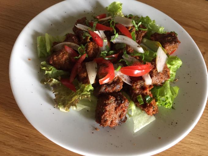 【町田】刺激的なスパイスで食べるカレーに餃子も!ネパール料理を食べるなら『ソルティーモード』