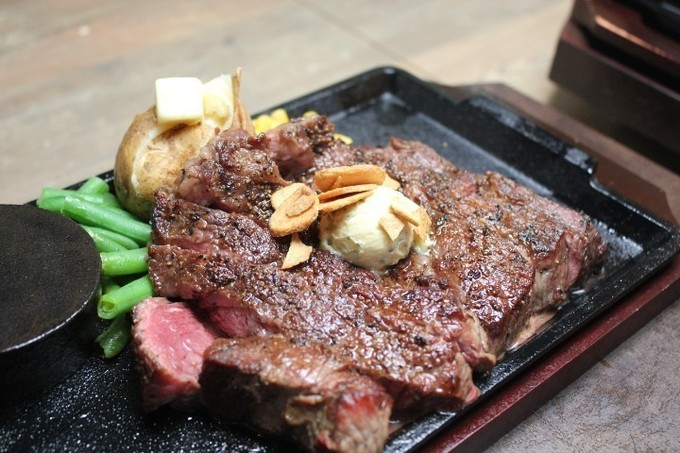 白米との相性を追求した熟成肉ステーキ!創業70年の集大成『やっぱり あさくま 九段下店』