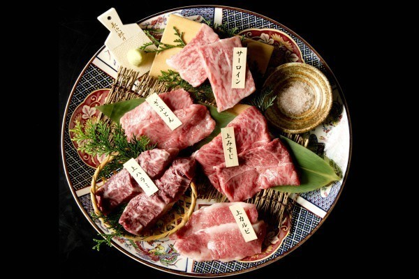 【銀座】黒毛和牛の稀少部位を焼肉で!シャトーブリアンを始めミスジ・とうがらしも!