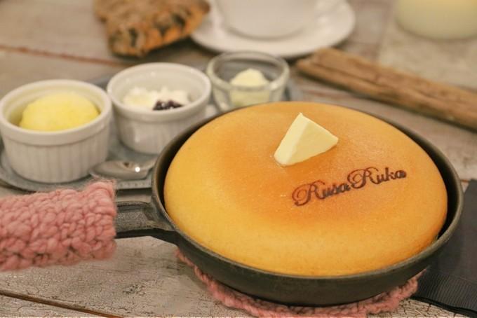 【自由が丘】食事もデザートもパンケーキ尽くし。何枚食べても飽きないふわふわ食感を『ルサルカ』で。
