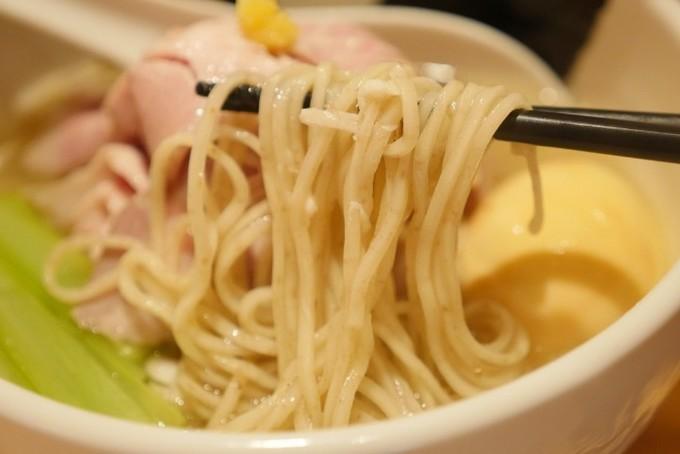 【錦糸町】すごい一杯!真鯛の旨みが凝縮された鮮魚系ラーメン『真鯛らーめん 麺魚』