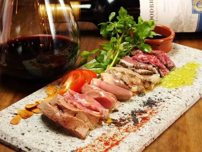 【期間限定】日本一の和牛や温泉旅行を無料でゲット!? 梅田『炭火とワイン』でお得なチャンス!