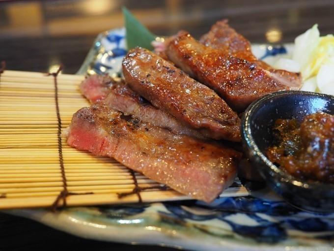 新橋で歓送迎会をするならこの5選!お酒に合うお刺身に牛タン、逸品料理の数々!