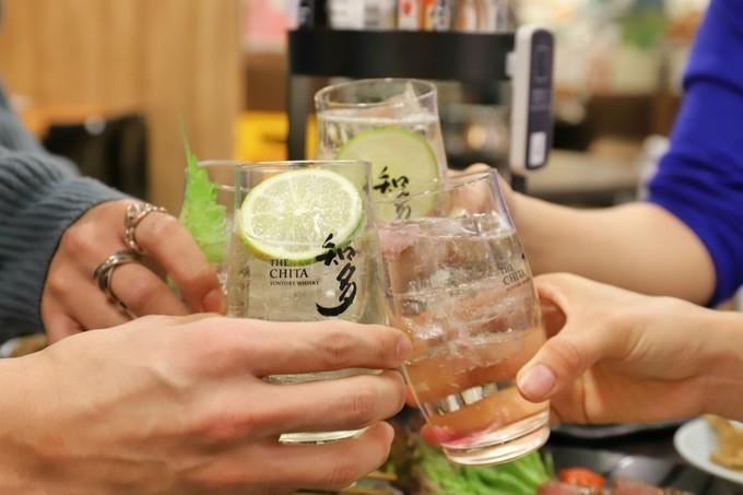 立川初出店の立ち飲みができる『世界の山ちゃん』に潜入!サク飲みや0次会にも!