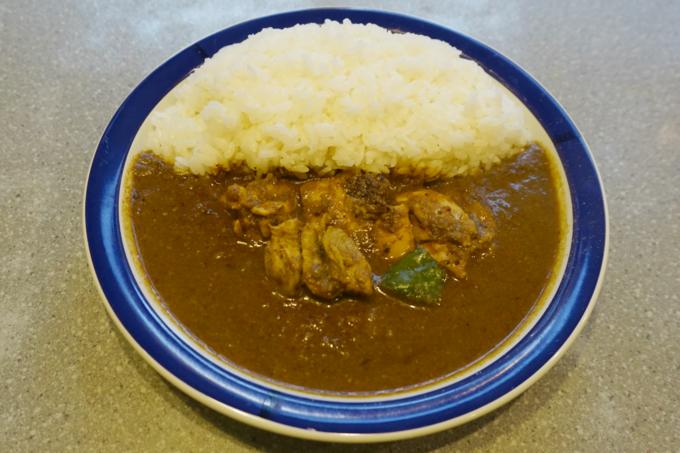 東京随一のカレー激戦区で30年!神保町『エチオピア』のごろごろと肉が入った「チキンカレー」