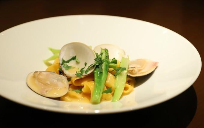 【恵比寿】メディアで話題のシェフが作るイタリアン!本場の味を料理とトークで堪能『エヴォルツィオーネ』