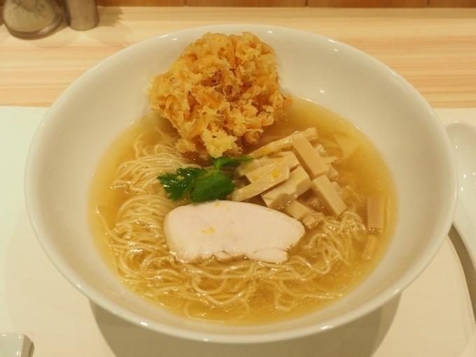 【銀座】鯛の旨味が爆発!揚げたてのかき揚げも乗る贅沢ラーメン『麺屋ま石』