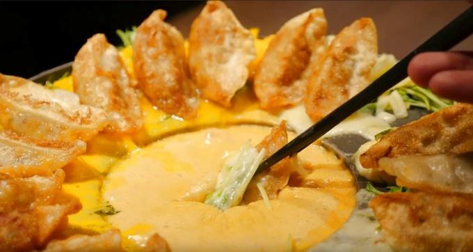 【上野】次世代チーズグルメは餃子で決まり!サクサク食感と濃厚チーズがヤミツキ!『ベジとりや』