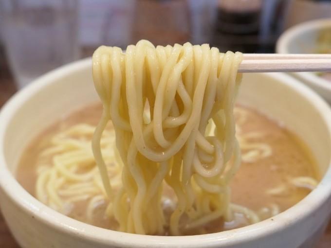 """【南阿佐ヶ谷】凄すぎる一杯!""""スープと麺""""だけで挑む豚骨ラーメン『一笑』"""