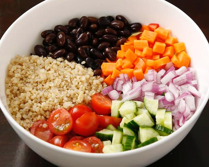 Retina mexican quinoa salad