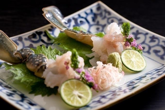【泉佐野】冬はメスで夏はオス⁉︎季節によって味も異なるわたりがには1日5組限定!『割烹松屋』