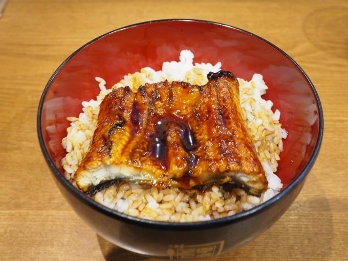 """東京の激安""""500円""""うな丼を食べ比べ!『宇奈とと』と『うなどん丼』おすすめポイントはここ!"""