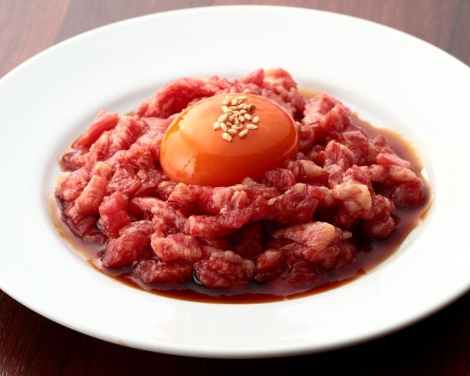 【新宿】生肉好き集合!黒毛和牛ユッケの深いコクが堪らない!『NO MEAT,NO LIFE.5go.』