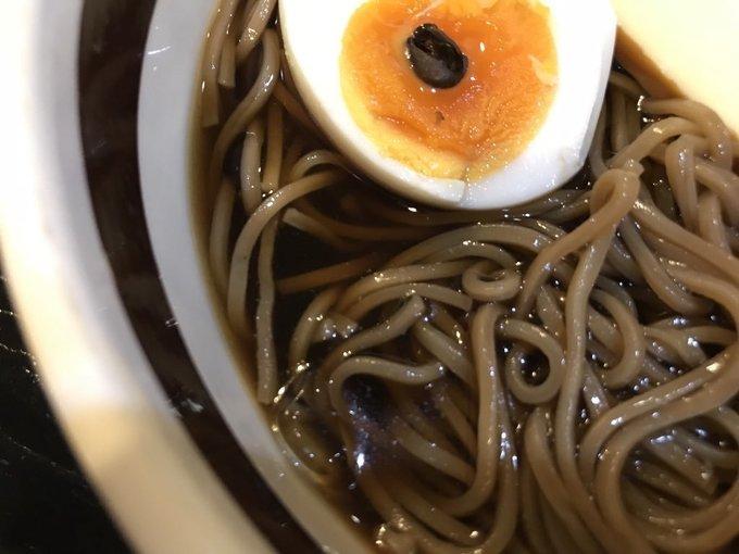 麺にもスープにもコーヒー!お花茶屋の『亜呂摩』の世にも奇妙な「コーヒーラーメン」