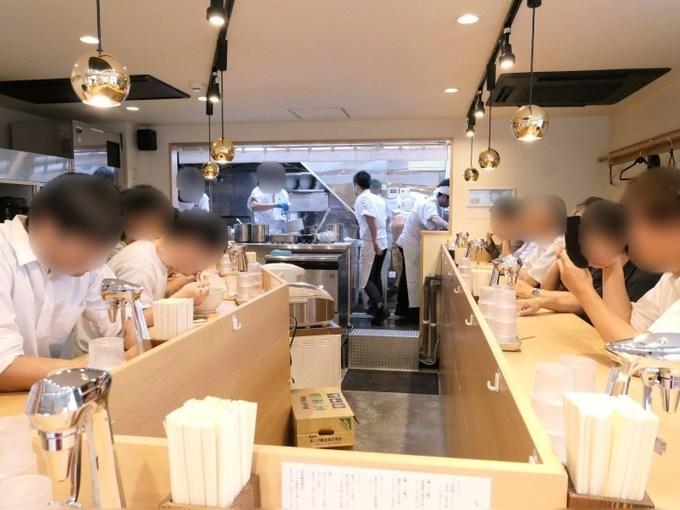 早くも名店の予感…!金目鯛の旨味が凄いラーメン新宿『らぁ麺 鳳仙花』