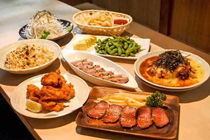 【池袋】2,500円でローストビーフにダッカルビも!『お肉で宴会』コースは質も量も大満足!