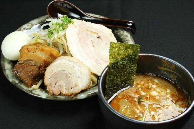 【つけ麺】旨さを追求したオリジナル麺!市川『麺屋一路』は1kgまで同料金。
