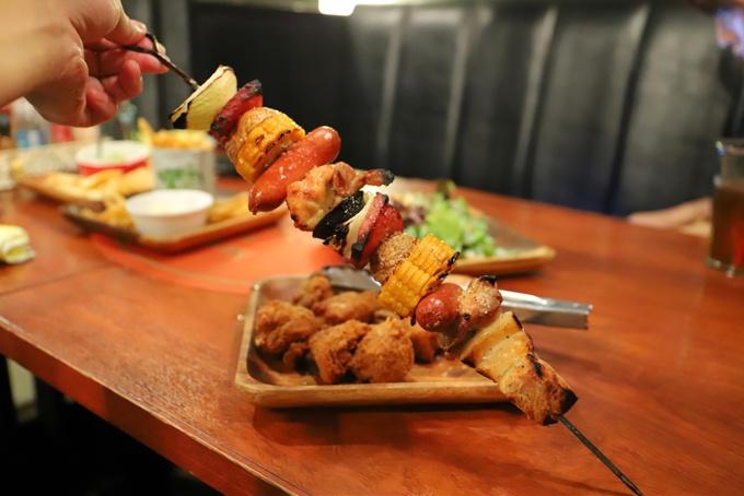 【町田】飲み放題付き肉尽くしコースが3,000円以下!コスパの高い飲み会なら『ハーブカルネ』