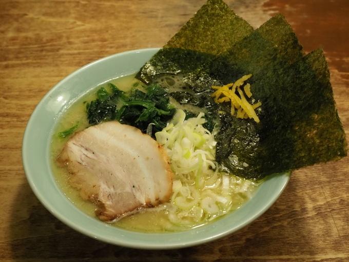油そば専門店ぶらぶら 横浜駅店>