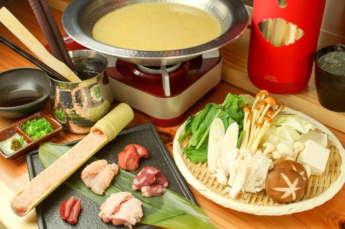 お忍びで通いたい隠れ家鶏料理店。肌寒い季節は鶏鍋コースで温まる。六本木『きわみ鶏』