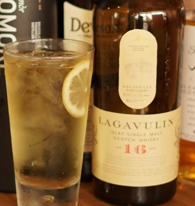 【新橋】70種類のウイスキーは圧巻!ウイスキーと楽しむ燻製料理は香りも味も桁違い!『燻男』