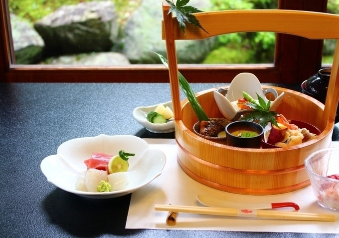 鎌倉でおしゃれに和食ディナーはいかが?季節食材を使った豪華コースが驚きの価格!『楠の木』