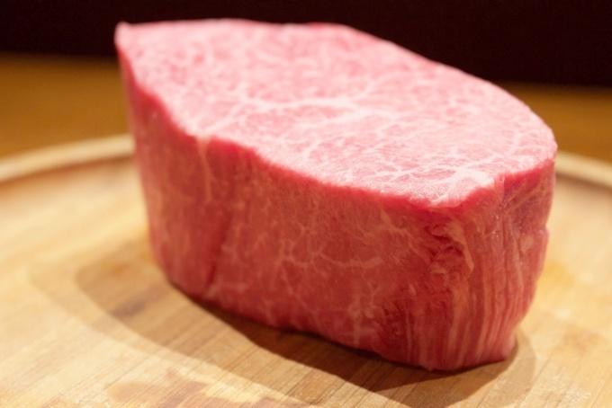 【水天宮前】焼肉・生肉・塊肉!豊富すぎる肉料理を100種の厳選ワインと味わう『TO-KA』