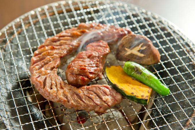 【池下】和牛を使ったレアな料理も!朝どれの超新鮮なホルモンを使った焼肉『炭火ほるもん真』
