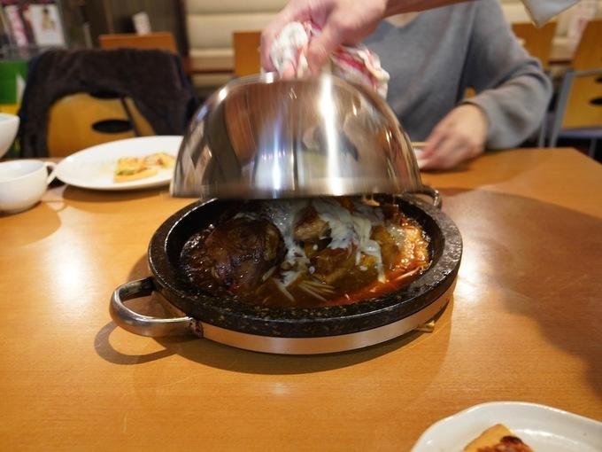 岡山で唯一旨い「マンガ肉」と評判!みんなで盛り上がるなら『ニコニコキッチンさんさん』