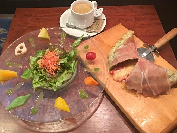 【新橋】マルタ料理専門店が手がけるお手軽ランチ!濃厚なチーズが流れ出るピザも『レストランマルタ』
