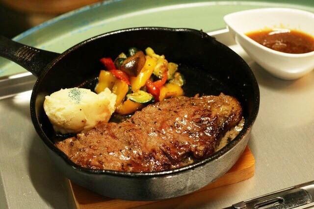 【町田】シューティングバーなのに料理もお酒も大満足!『SEALs』で撃って飲んで楽しもう!