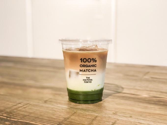 緑白茶のグラデが美しい!表参道『THE MATCHA TOKYO』の「抹茶コーヒーラテ」
