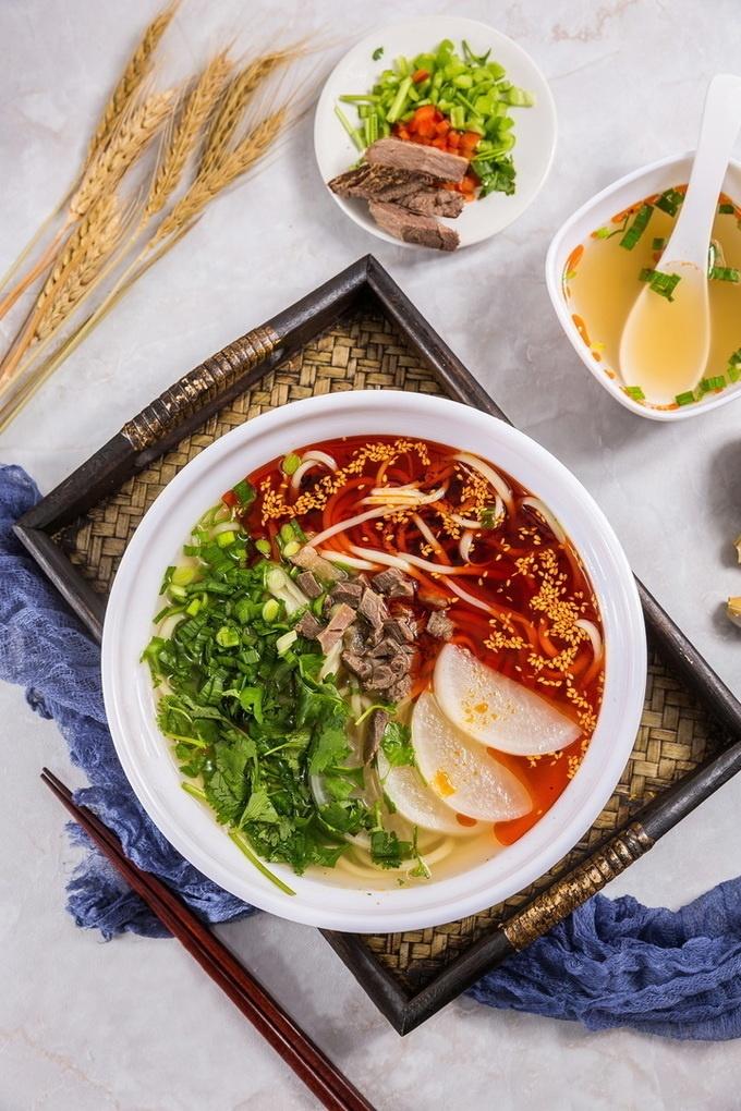 【御徒町】11月19日に蘭州ラーメン『国壱麺』が初上陸。9種の手打ち麺と薬膳スープが特徴