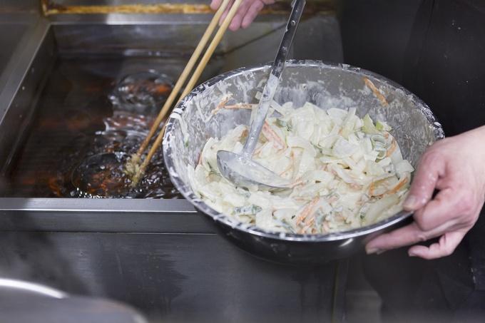 【初台】ナンバーワンかき揚げと評判!立ち食いそばの名店『加賀』