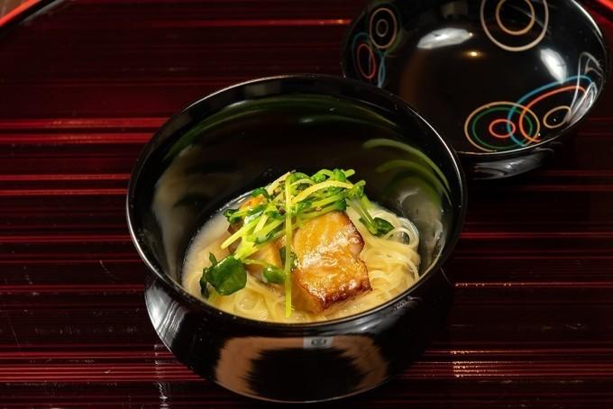 【銀座】有名シェフの実演で臨場感溢れる食体験!月替りで味わう食の国際交流『キッコーマンライブキッチン』