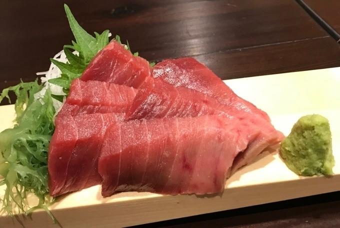 【小田原】日本酒50種が飲み放題!全国各地の地酒を地魚と楽しむ『ぐいのみオハシ』