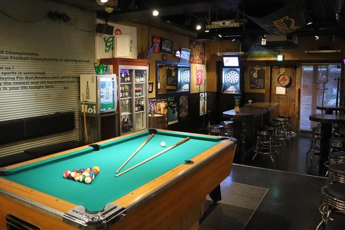 【錦糸町】世界のビールが30種類以上!お酒片手にダーツやスポーツ観戦も『Cafe Typhoo』