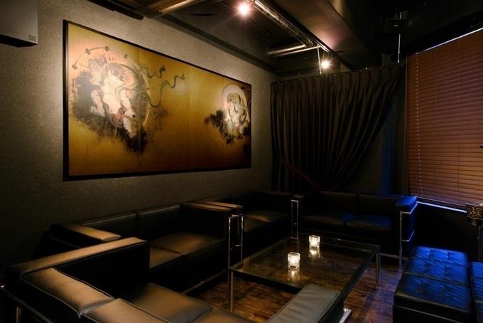 和を感じる大人の空間で特別感を演出。渋谷の完全予約制バー『Hero's bar』
