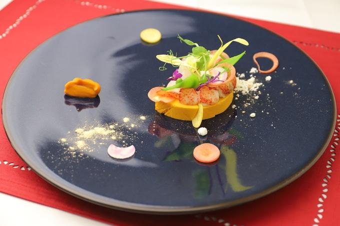 【銀座】シェフも驚愕する甘さと旨味!過酷な環境で育った野菜をモダンフレンチに『BOW』