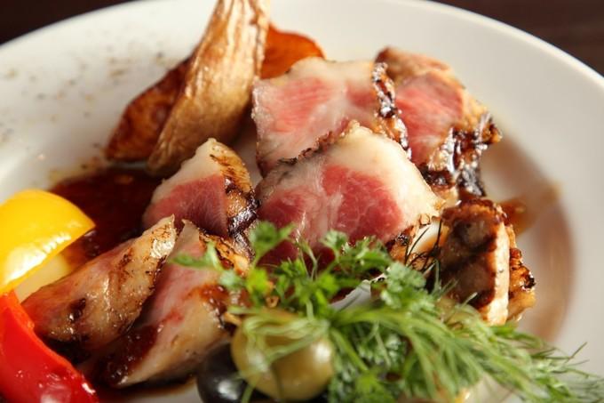 【神田】気軽に通えるイベリコ豚専門スペインバルで乾杯!脂の甘みが堪らない!『神田のドンファン』
