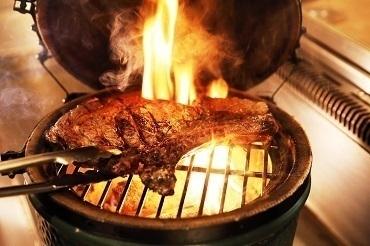 【恵比寿】世界一の肉職人が選ぶ赤身肉1ポンドステーキが登場!『ユーゴ・デノワイエ』