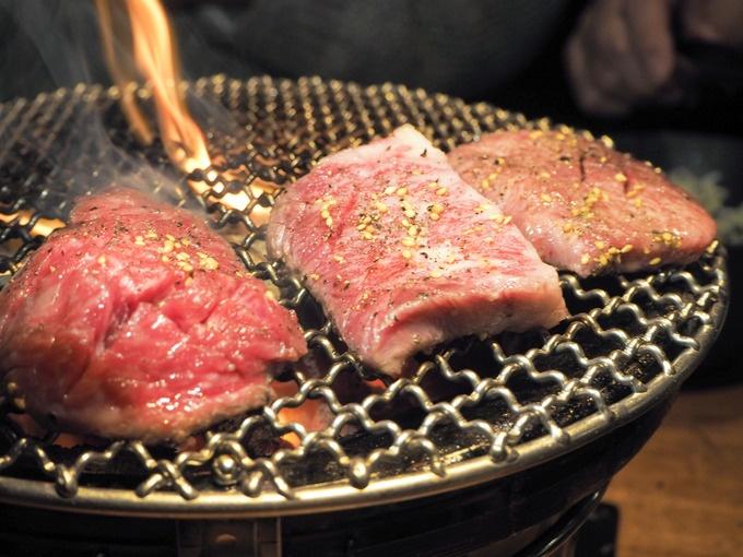 【期間限定】厚切焼肉8,000円コースが5,000円の大特価に!『ぐう 新宿三丁目』でイベント開催