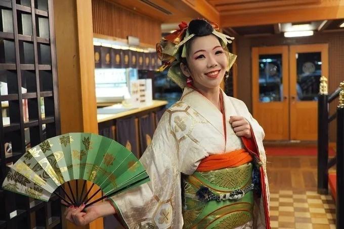 【夏季限定】東京湾の絶景を肴にビールで乾杯!日の出駅発の巨大船『安宅丸』でビアガーデン開催